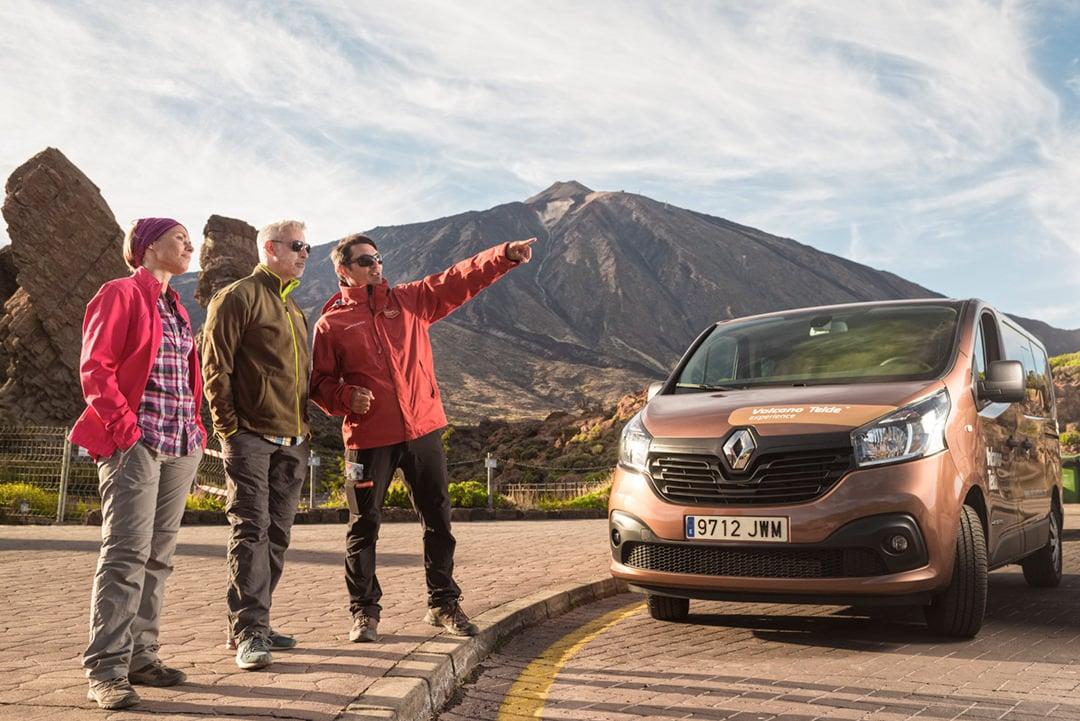 Zorganizowana wycieczka na Teneryfie w celu zwiedzenia Teide