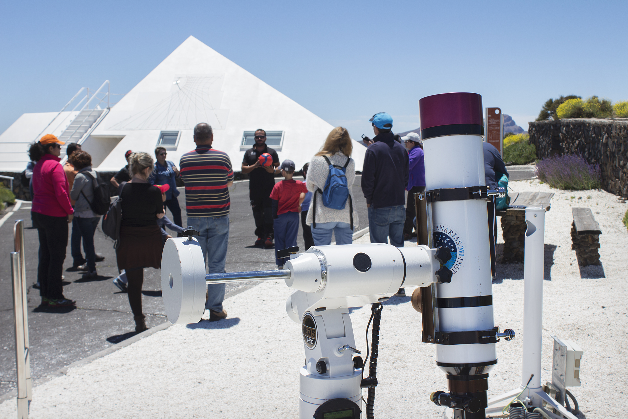 Visiting the Teide Observatory with children