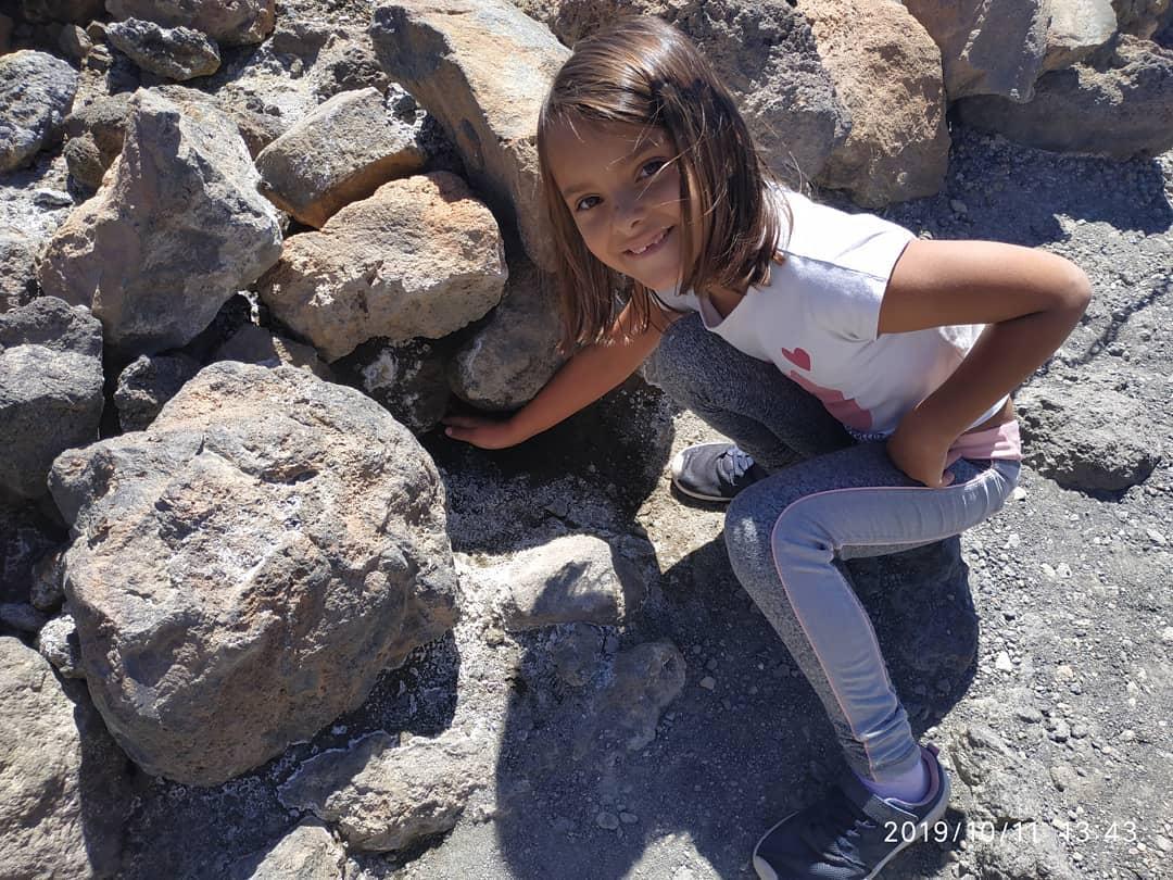 Wandeling met kinderen naar de Teide: fumarolen