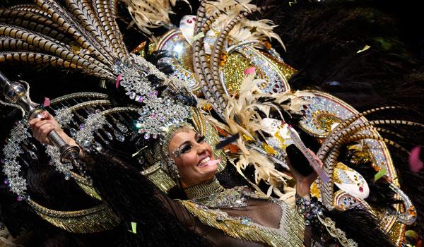 Karnawał na Teneryfie: Parada Rytm i Harmonia