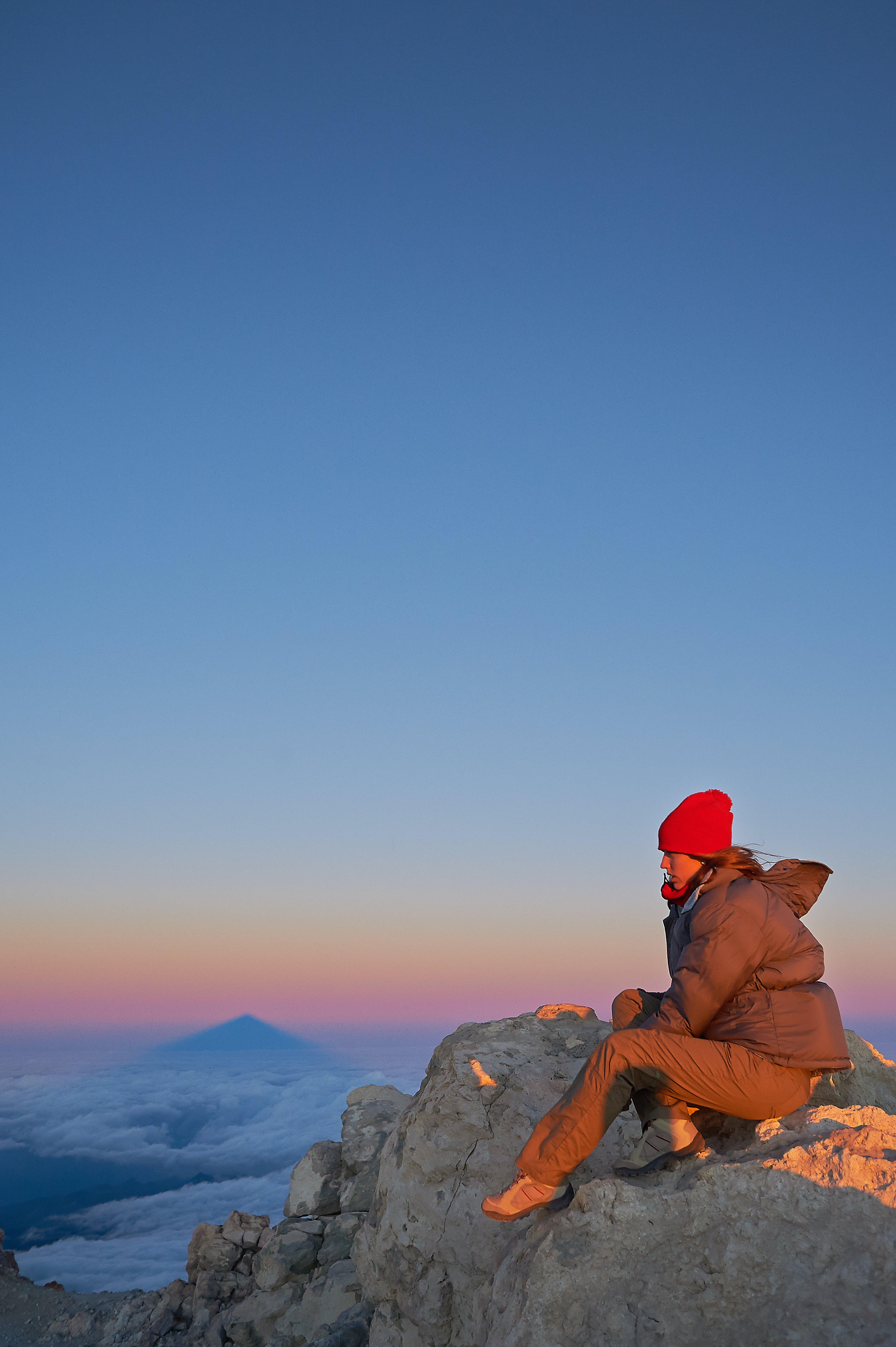 Wanderung zu Fuß auf den Teide: Sonnenaufgang auf dem Gipfel