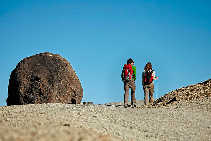 Climb the Teide on foot and see the Huevos del Teide