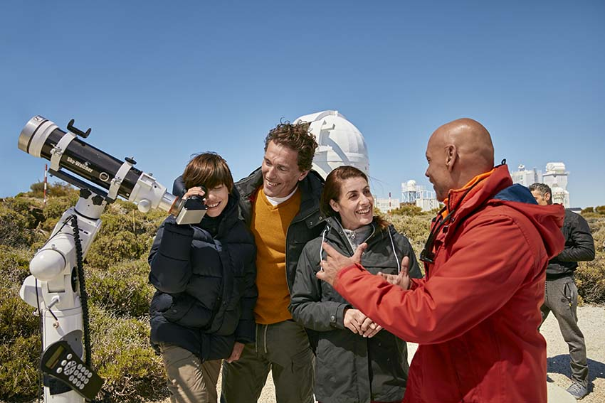 Actividades al aire libre familia en el Observatorio del Teide con guía