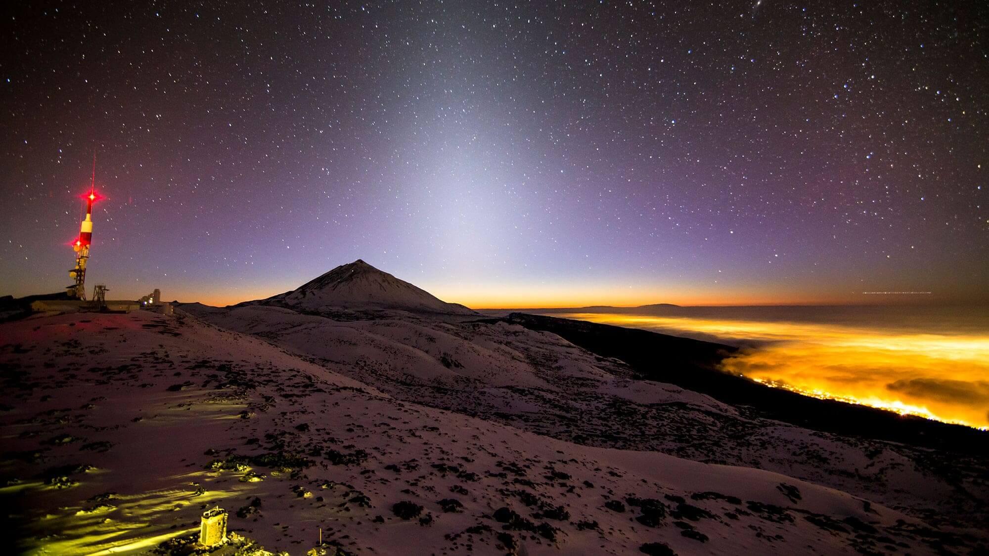 Estrellas en el cielo del Parque Nacional del Teide