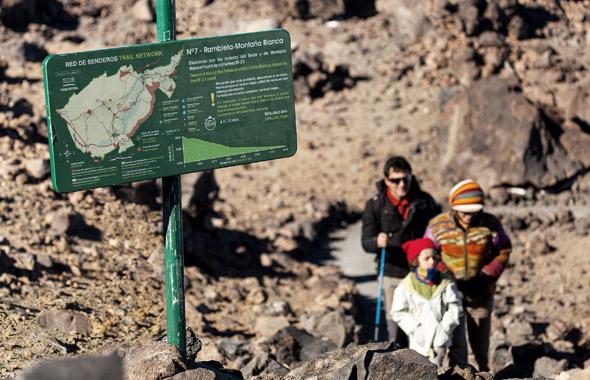 Te voet naar de top van de Teide klimmen