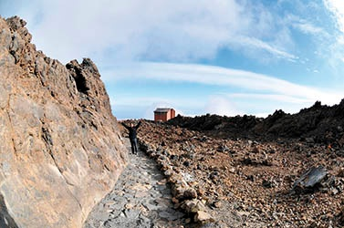 The trail to the crater of Mount Teide: Lava canal